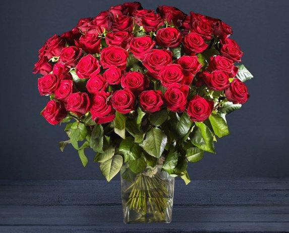#LaVieEstBelleQuand on reçoit des fleurs 💐 https://t.co/z9gDM0r0T9