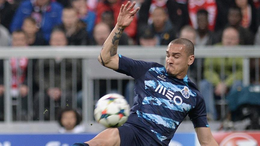#Galatasaray'ın gündemindeki #Maicon'dan Sao Paulo'ya veda mesajı ⚽ ht...