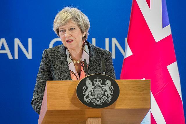 Londres soulève des doutes sur la légalité de la facture du Brexit htt...