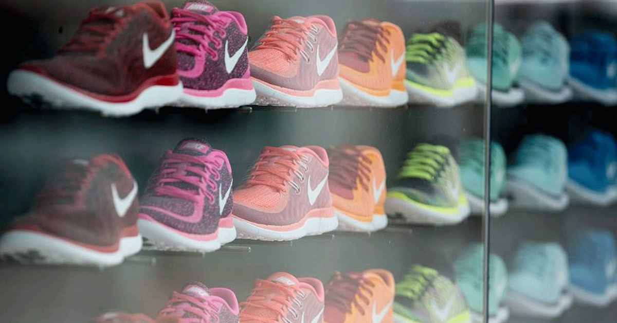 Nike Thought It Didn&#39;t Need Amazon---Then the Ground Shifted  http:// twib.in/l/LRgbo5odj8kd  &nbsp;    #Retail in #Transition   #markets #emobility #shift<br>http://pic.twitter.com/BQVx4xVq0M
