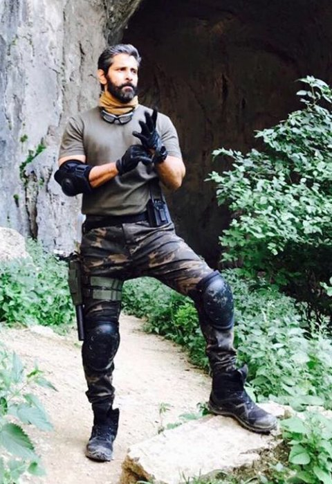 #ChiyaanVikram in #DhruvaNatchathiram.. Terrific! When Tamil heroes ca...
