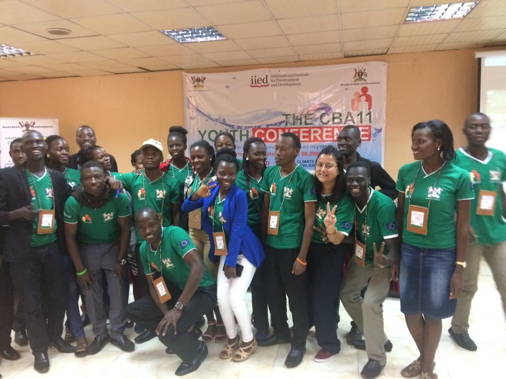 Winners-'Climatesmartcentre' group #cropdiversification #coffee + #fruittrees #youthentrepreneurs @IWMI_ WLE_CGIAR session #CBA11 #youth https://t.co/9XjU8Xry9J