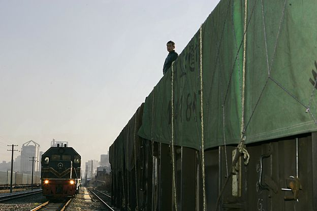 #China Railway Cuts Down on Net Losses in Q1 Thanks to Increased Demand for Freight Transport  http:// bit.ly/2tsqWjd  &nbsp;  <br>http://pic.twitter.com/4h6kHUcOTA
