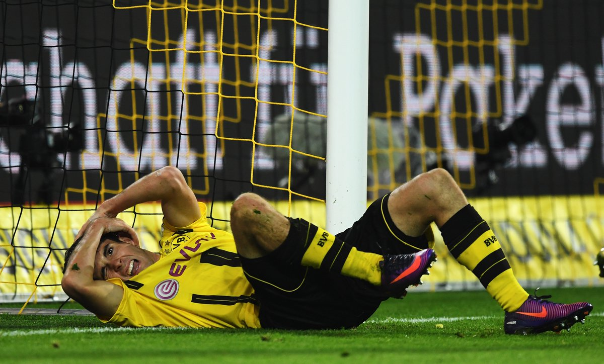 0 - @BVB did never win the championship, when they started the season...