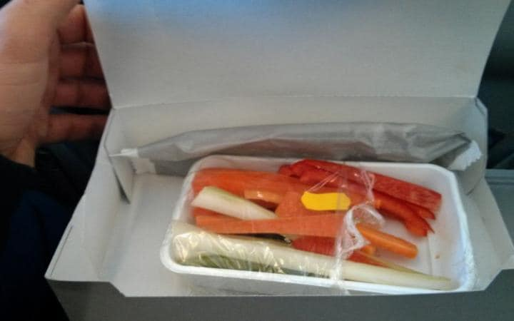 Is this the most disappointing vegetarian meal ever served on a plane? https://t.co/IhdEJDA0lr https://t.co/egD0oT4aNG