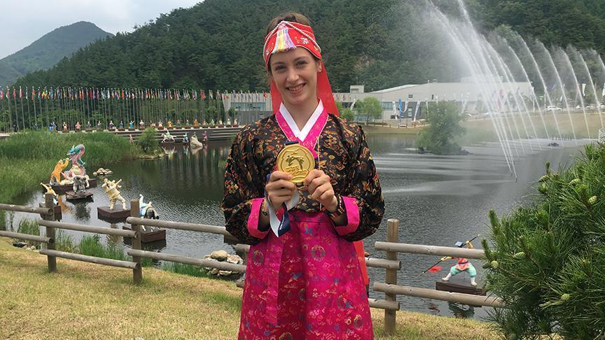 Tekvandonun 'altın' kızının gözü olimpiyatlarda https://t.co/LtWzvbVo9...