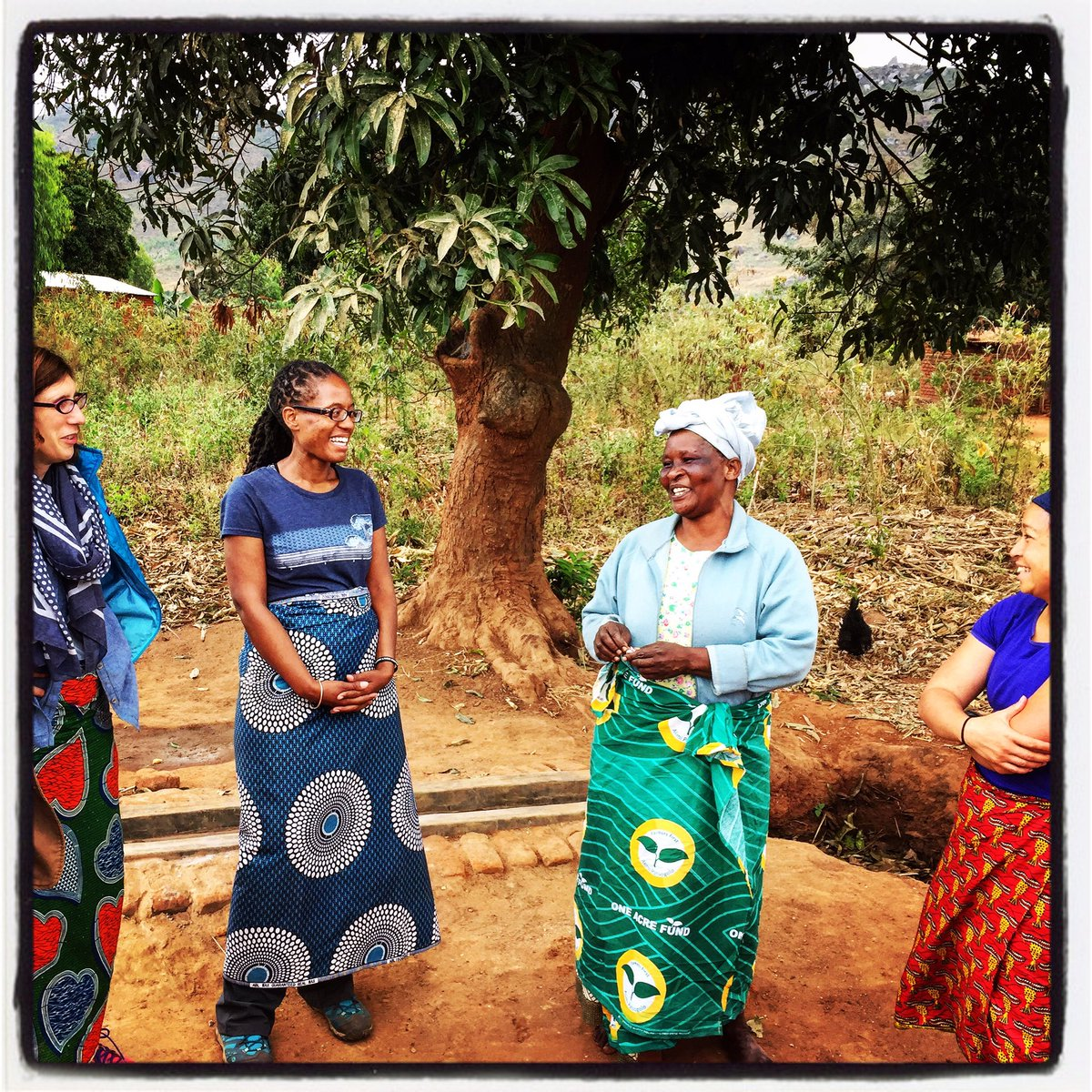 Q&amp;A with the chief of Saiti Village, beside the new #borehole. #Malawi #Africa #crowdfunding #nonprofit #startup #local #water #travel<br>http://pic.twitter.com/cw9NgcVQL0