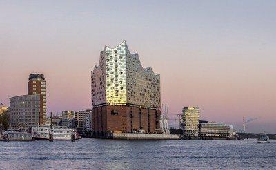 Elbphilharmonie Hamburg as a Stage for World Politics: Political Leade...