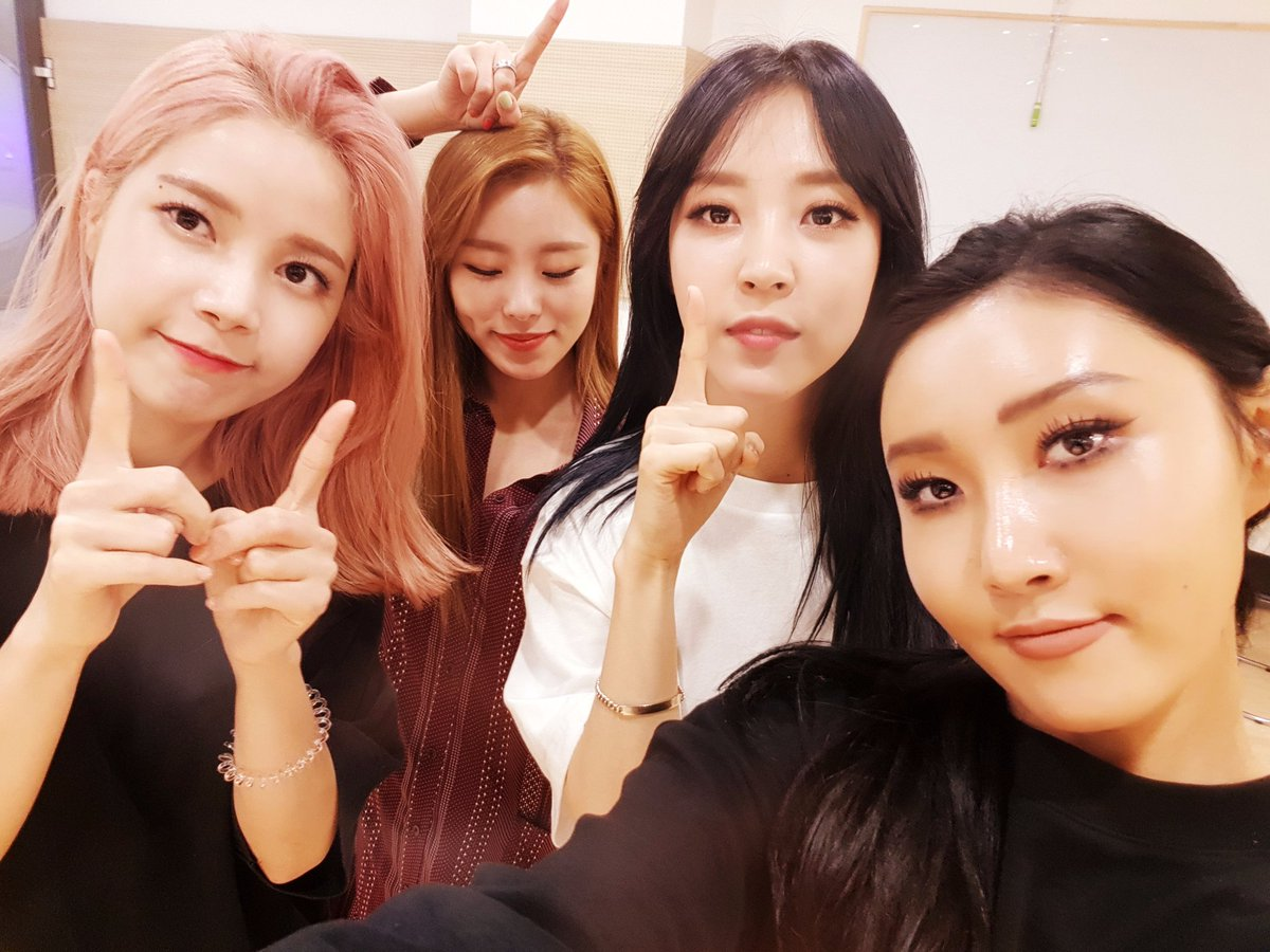 """#MAMAMOO Takes #YesIAm3rdWin On """"M!Countdown"""" On Special Half-Year Com..."""