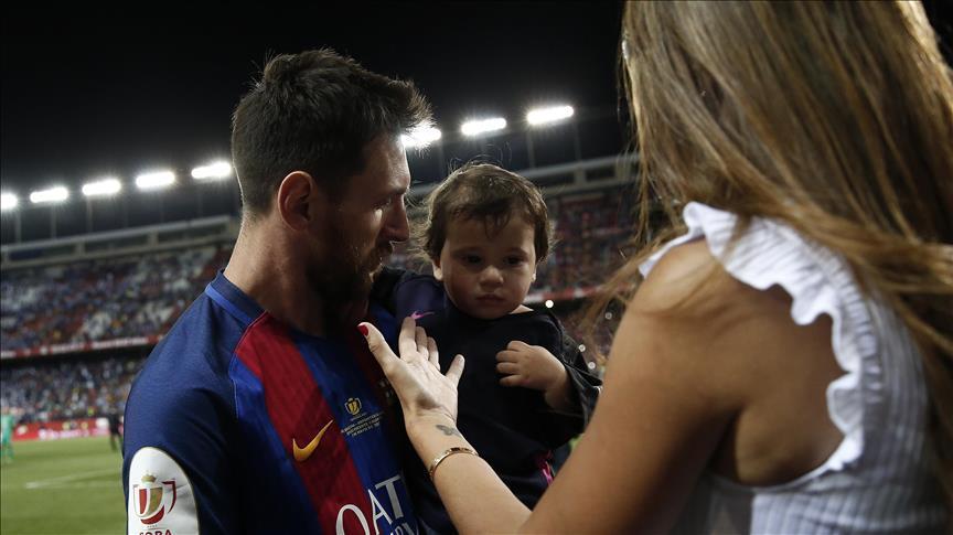 Arjantin #Messi'nin düğününe odaklandı https://t.co/od08V9CCvs https:/...