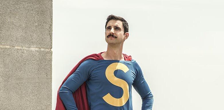 ¡Cachis la mar! Primera imagen de Dani Rovira como Superlópez. ¿Qué te...