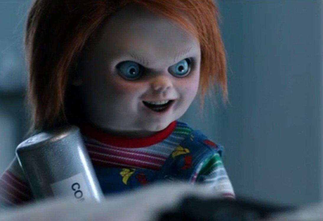 Chucky Kills Them All in #CultofChucky Trailer! https://t.co/QLzqMVv27...