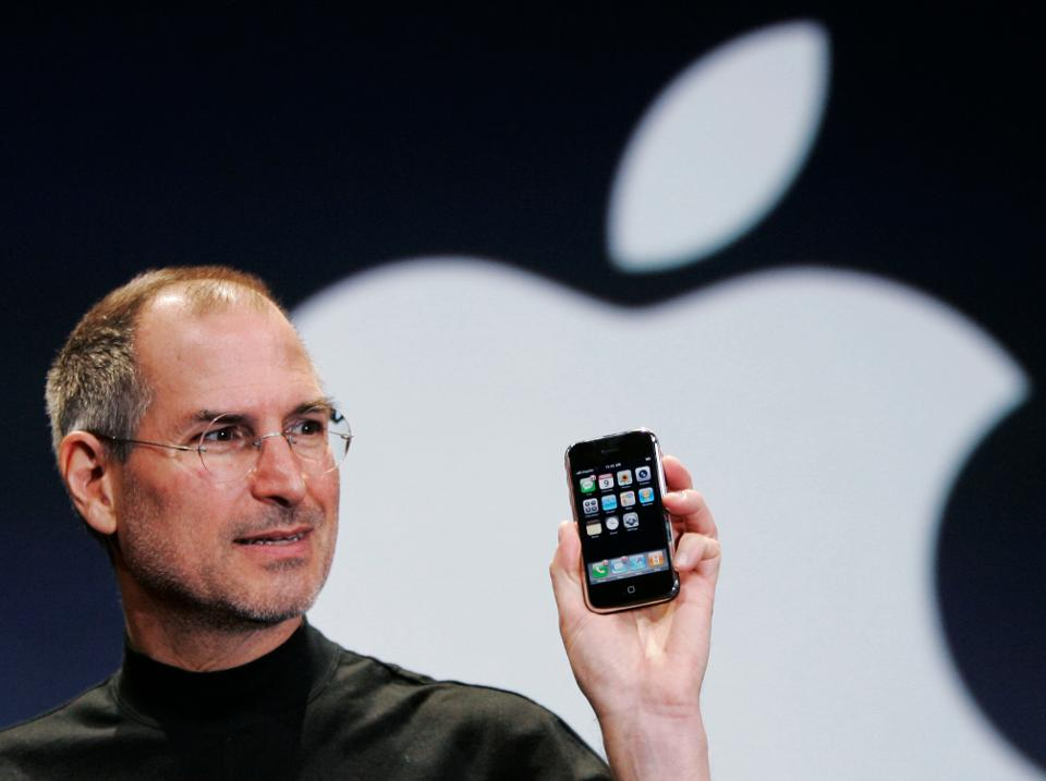 #iPhoneAt10: How Steve Jobs and Apple changed modern society https://t...