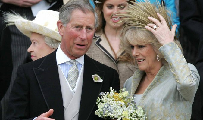 'Marry her or end the affair' Queen's aide gave Charles ultimatum over...