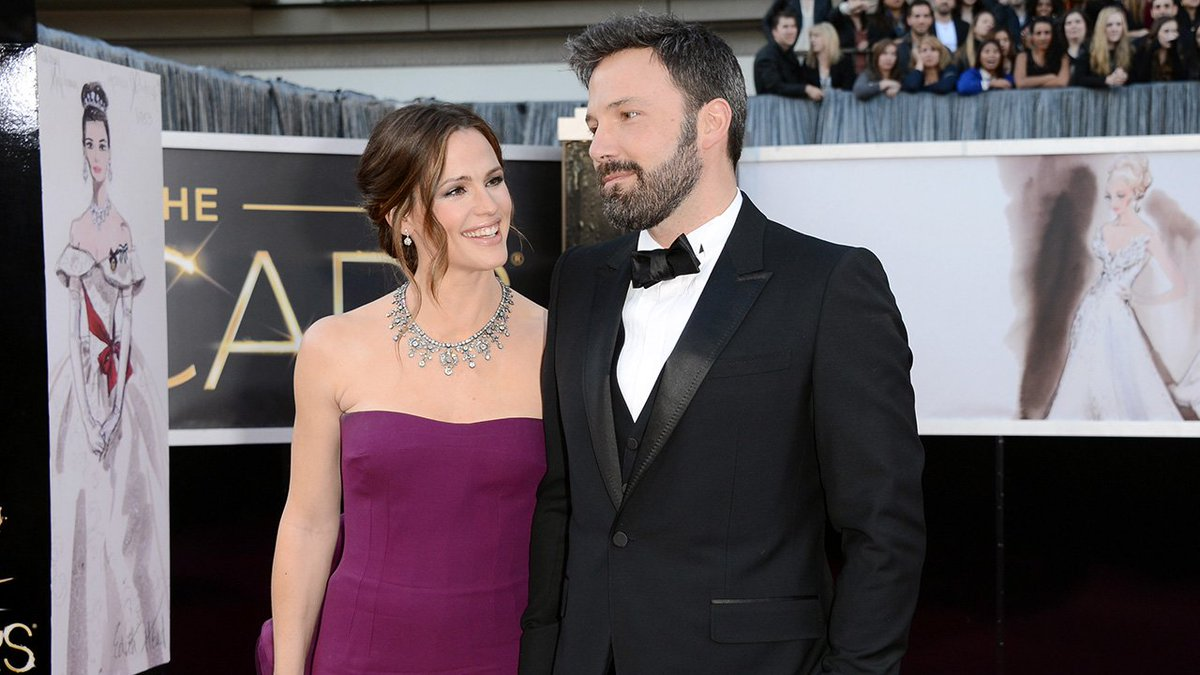 #JenniferGarner and #BenAffleck vacation with their family in the Baha...