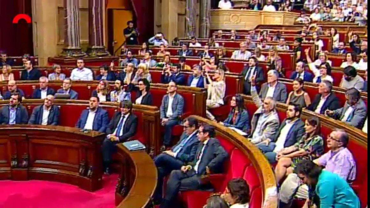 El #Parlament aprova per unanimitat la llei que declara nuls els judicis franquistes https://t.co/kAj7MTzqxL