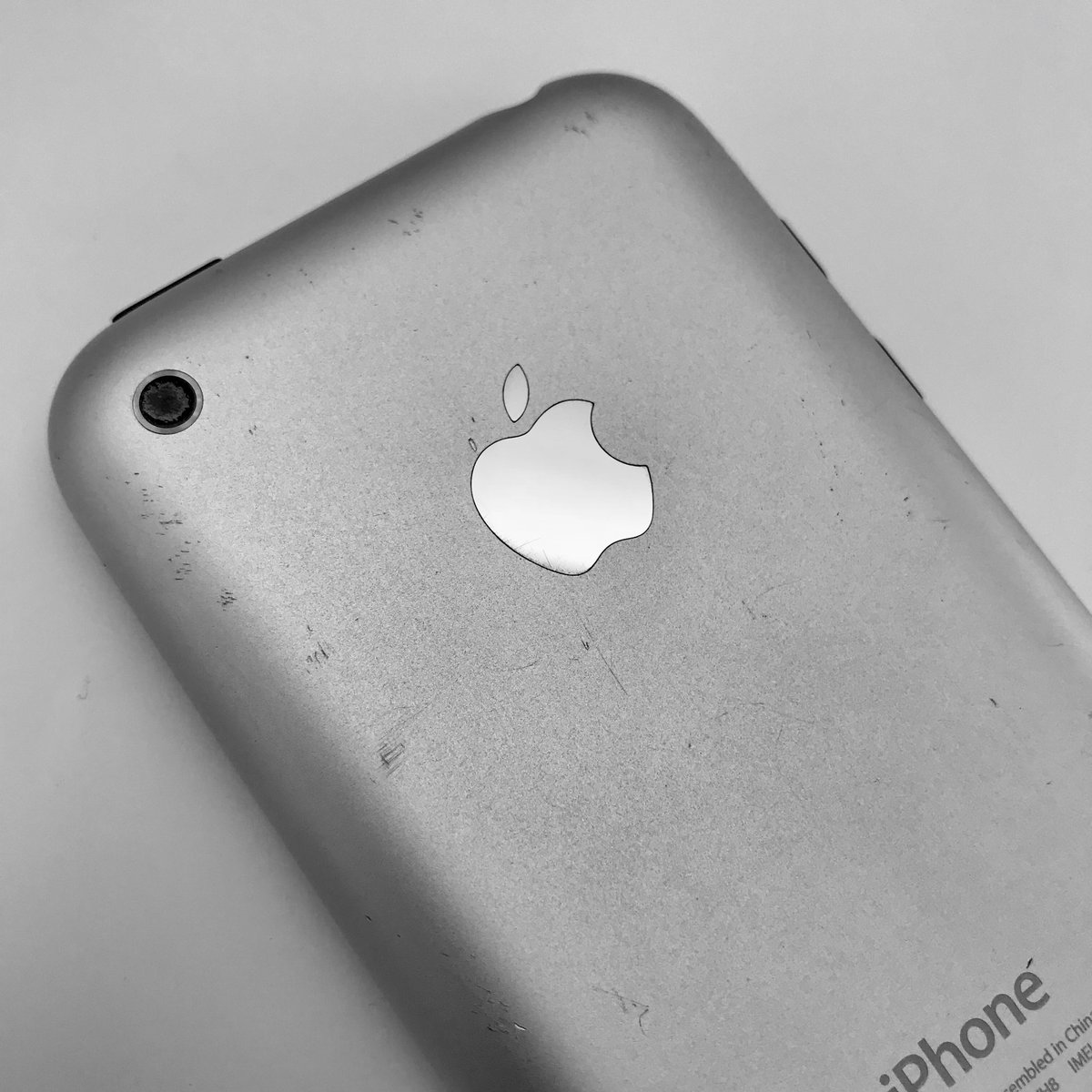10 years of #iPhone ❤️ https://t.co/aLaZdis6OJ