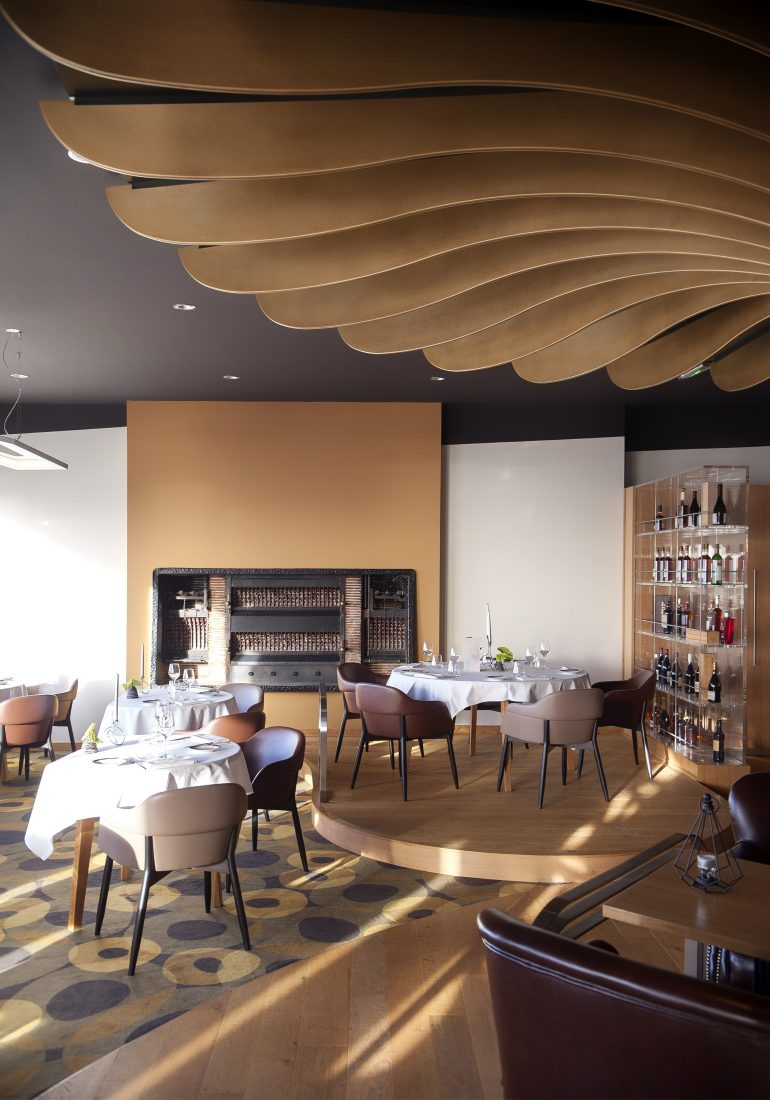 Hôtel design recherche partenaires pour repas gourmand... #hotel #design #decor #decorideas #inspiration #picoftheday #interior