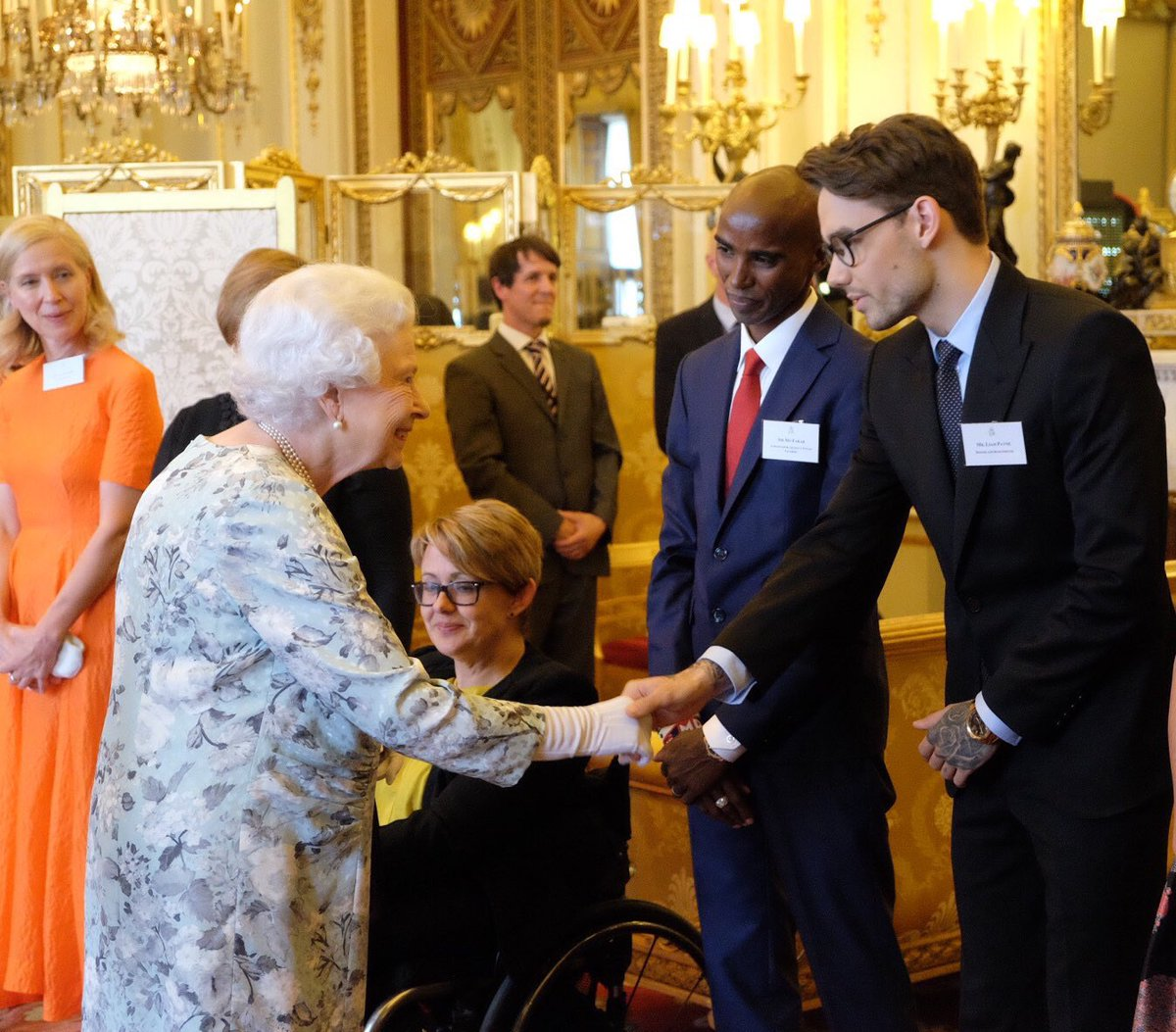 An absolute honour to meet the Queen today. Privileged to share the room with such inspirational @QueensLeaders and hear their stories 🙏🏼