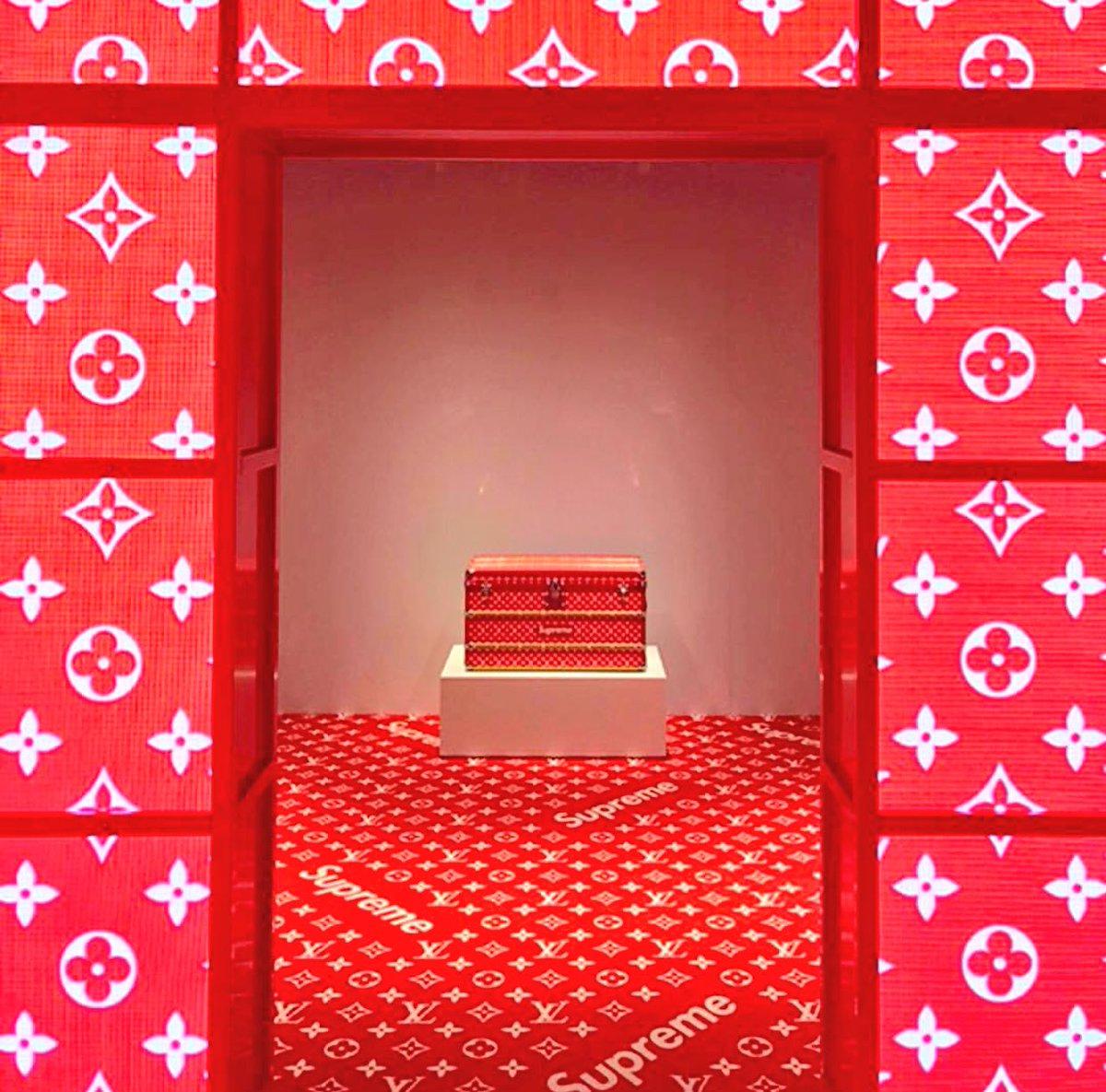 8b79c13b8d Supreme x Louis Vuitton Pop-Up Shops open tomorrow Paris Seoul Sydney Tokyo  Beijing London Miami Los Angelespic.twitter.com/U5NjRuuMWU
