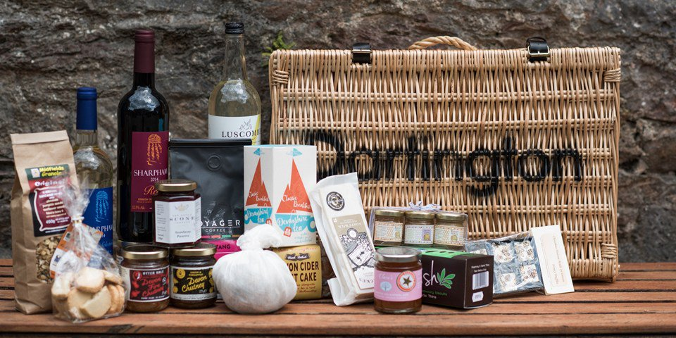 #WIN a #hamper worth over £150   Coast &amp; Country Cottages  http:// giveawaysrus.co.uk/win-hamper-wor th-150-coast-country-cottages-e3011/ &nbsp; … … <br>http://pic.twitter.com/F9bEW823Qsvia @RusGiveaways #giveaway