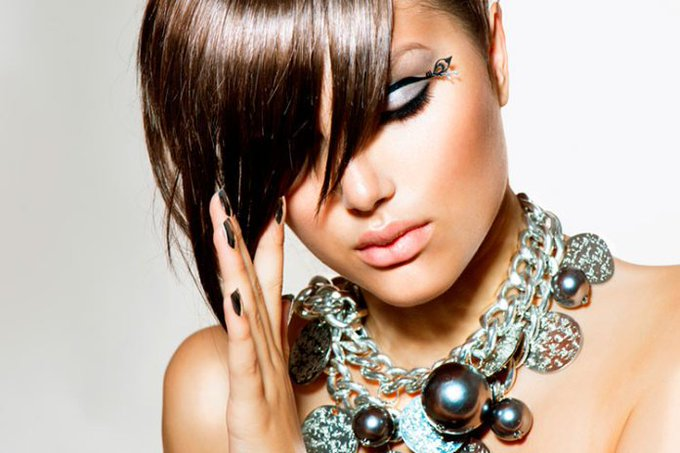8 Free apps for hairstyle beauty makeovers