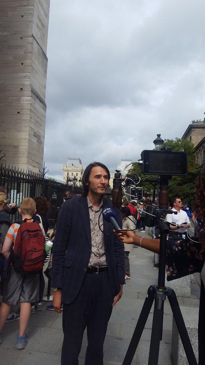 Interview pour #BFMParis @DAshikhmin créateur de #JeFile aux Tours de #notredamepic.twitter.com/bsDcTzs5Nl