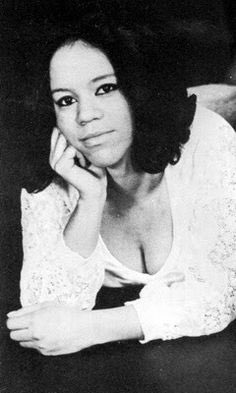 I want to wish a very Happy Birthday to Florence Ballard!  (June 30 1943-February 22 1976)