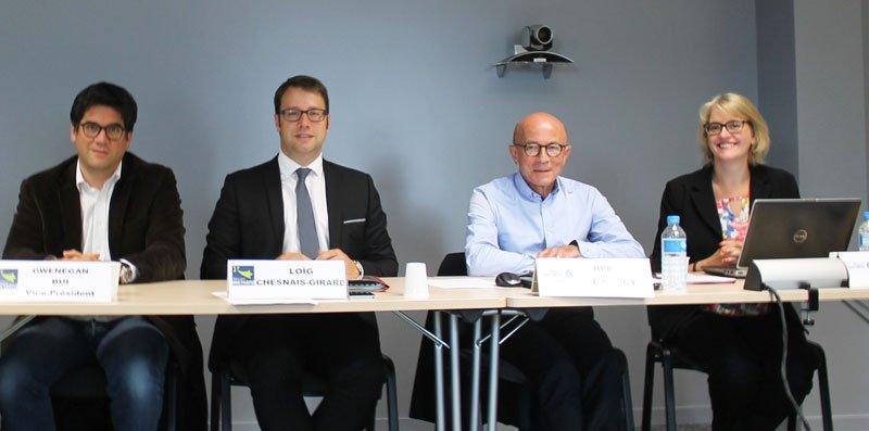 .@LoigCG, nouveau président de la @regionbretagne, prend la suite de Jean-Yves Le Drian à la tête de @megalisbretagne. https://t.co/EB2J6UQwyu