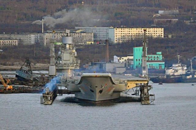 حاملة الطائرات الروسية Admiral Kuznetsov بعد التحديث   DDktY6tXkAAQoy0