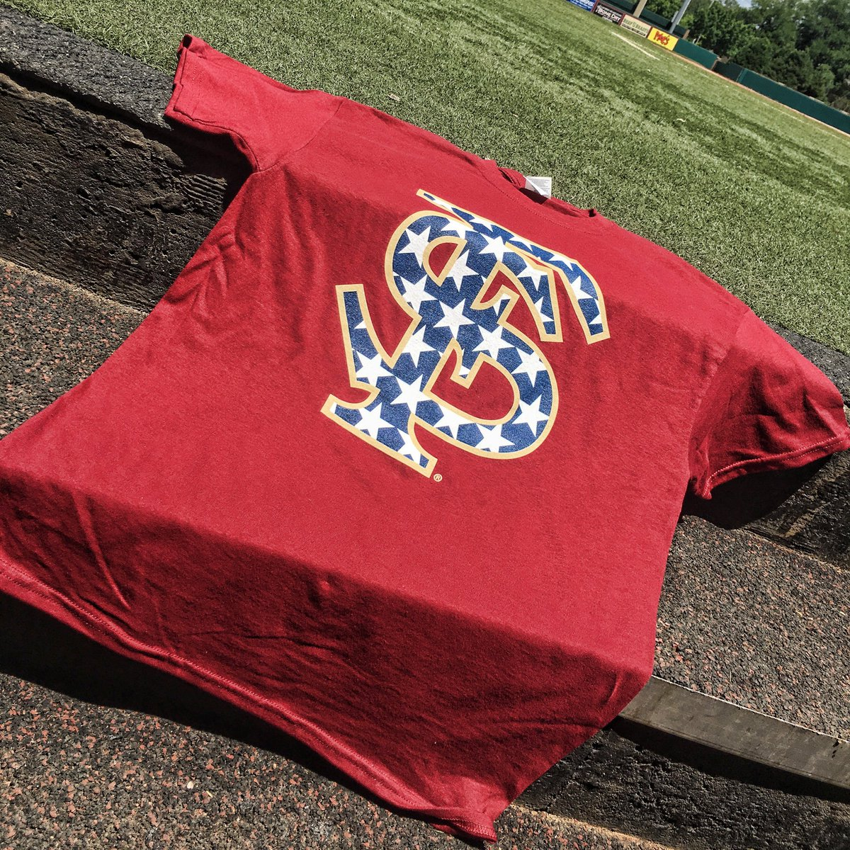 Want to win some patriotic gear before July 4th?!  Retweet for a chance to win one of these #NoleBaseball t-shirts! https://t.co/Vn4IxKqwTp