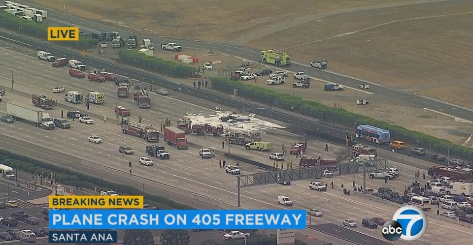 Live Traffic Completely Stopped On The Southbound Side Of The 405 Freeway After Small