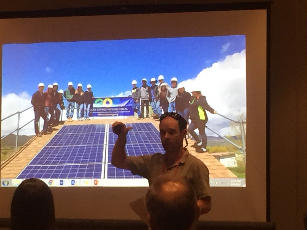 #students power their school in Delta by building and optimizing solar panels. Relevant #STEM #ceishowcase https://t.co/0ym2UID0HB