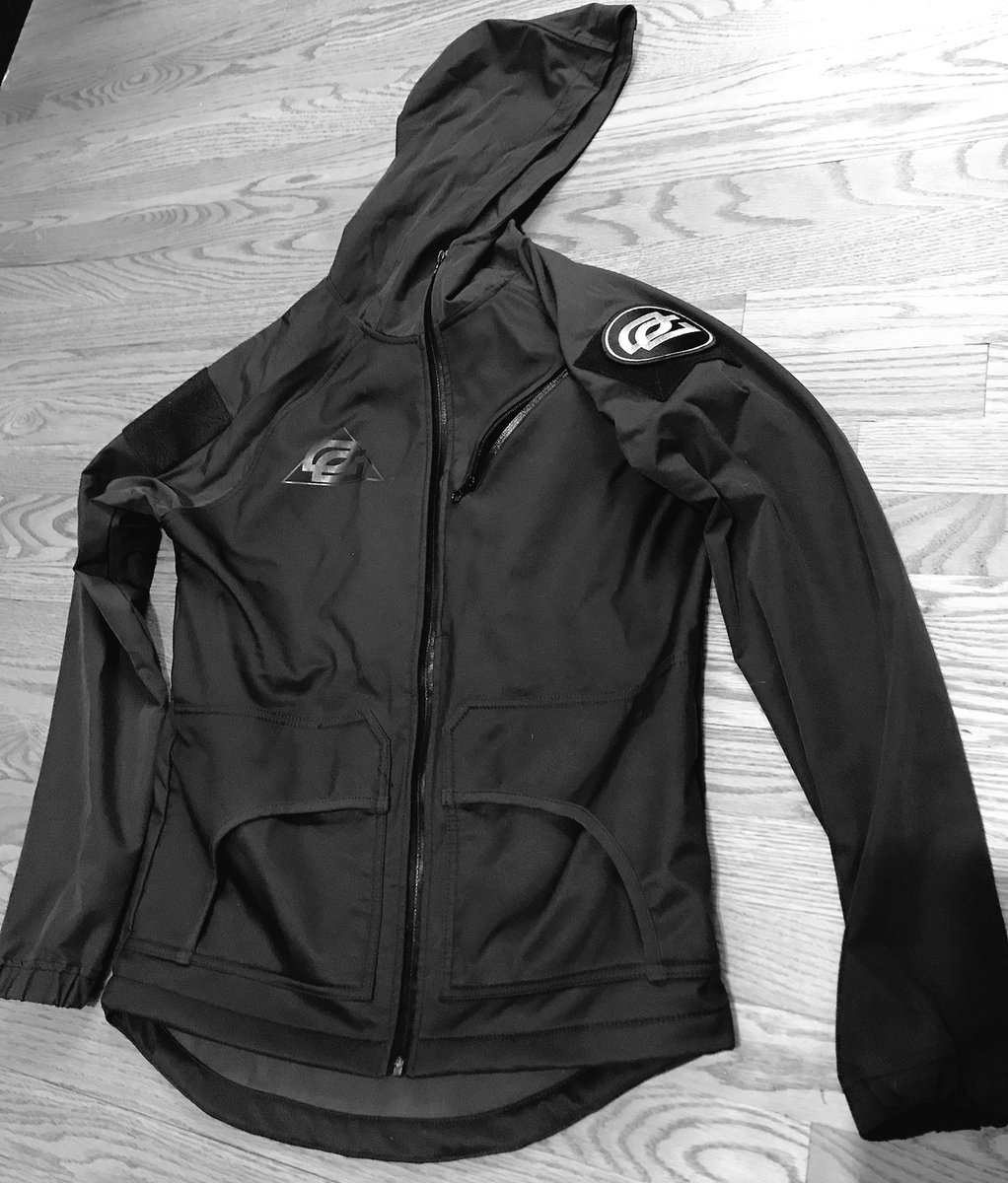 Friday giveaway! 2 lucky Followers who RT this, will win a brand new OpTic Player Jacket! Winner announced next Friday! RT RT RT RT RT🔥🔥