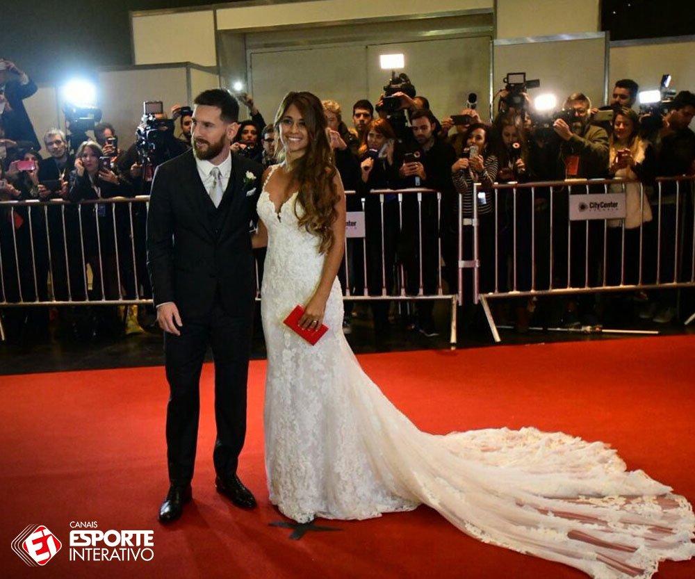 ATENÇÃO: O casal Messi está passando pela sua timeline! 🤵👰❤️