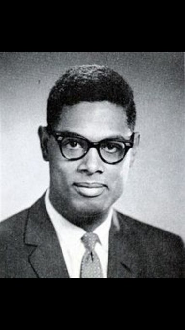 Happy 87th birthday to Thomas Sowell. One of the greatest thinkers in American history.