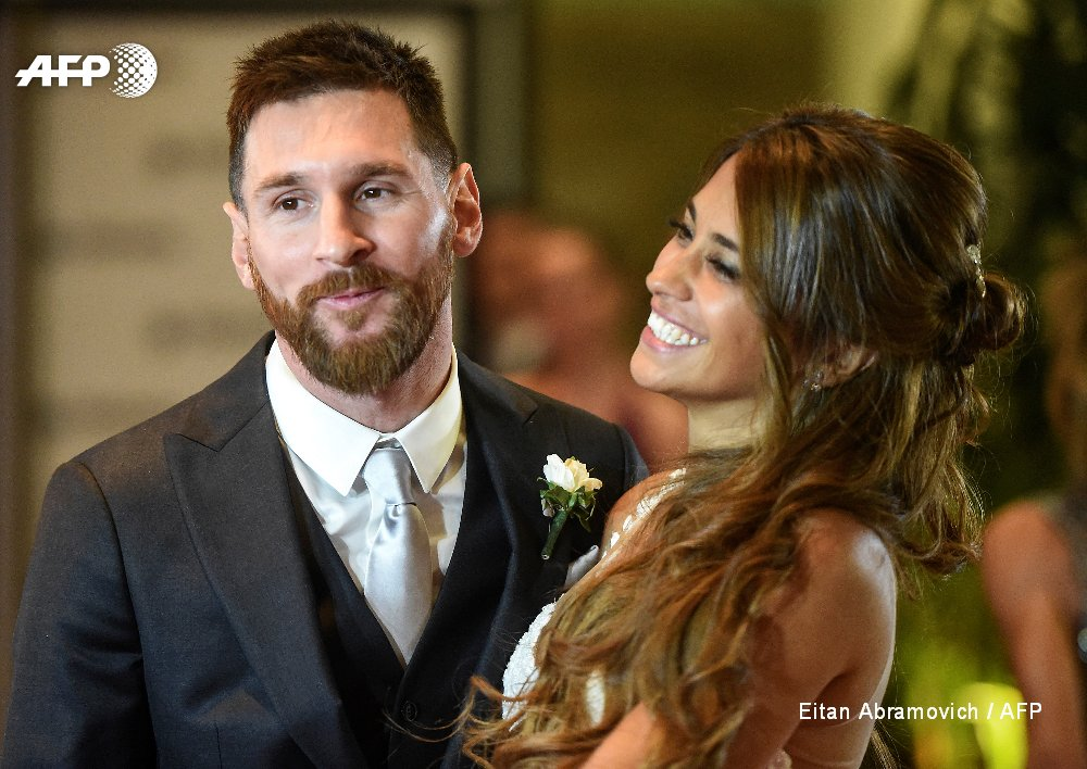 Lionel Messi says 'I do' to childhood sweetheart Antonella Roccuzzo in his Argentine hometown Rosario https://t.co/mGbqYLSJfd