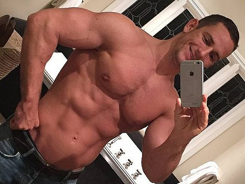 Big Dick Gay Videos - Gay Sex Videos and Porn Pictures