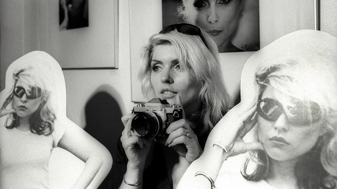""\""""I could be a housewife... I guess Ive vacuumed a couple of times."""" - Debbie Harry, Happy Birthday.""680|383|?|en|2|ed97e9055d42eceee4f34096f3cb3115|False|UNLIKELY|0.328436940908432