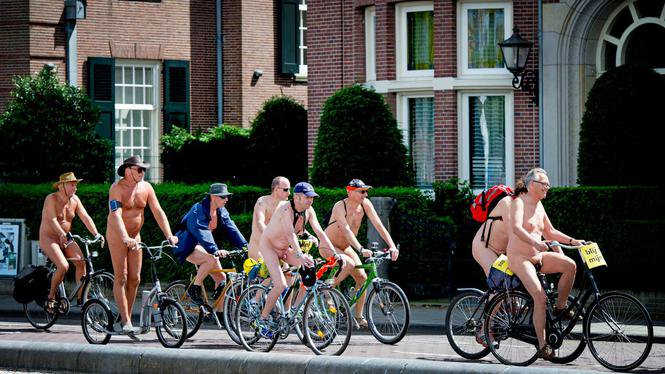 Nudes in amsterdam picture 12