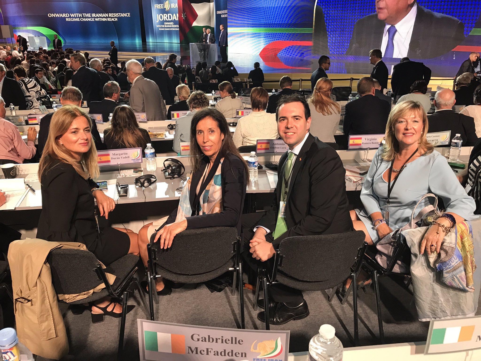 We participateAnnual Ghatering of Iranian Communities and support #FreeIran @Maryam_Rajavi @iran_policy @4freedomIran @womenncri @CNRIFrance https://t.co/DSTYaDpbJP