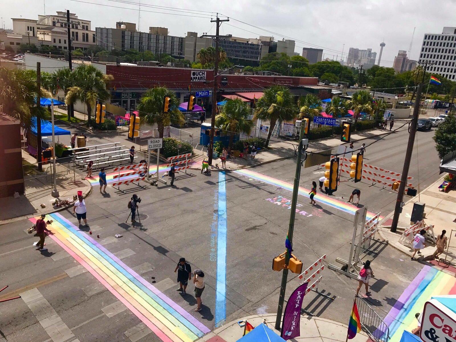 Happy San Antonio Pride!!! 🌈❤️🏳️🌈 #SanAntonio #Pride #Pride2017 #PrideSA #PrideSanAntonio https://t.co/bwIGKyNil3