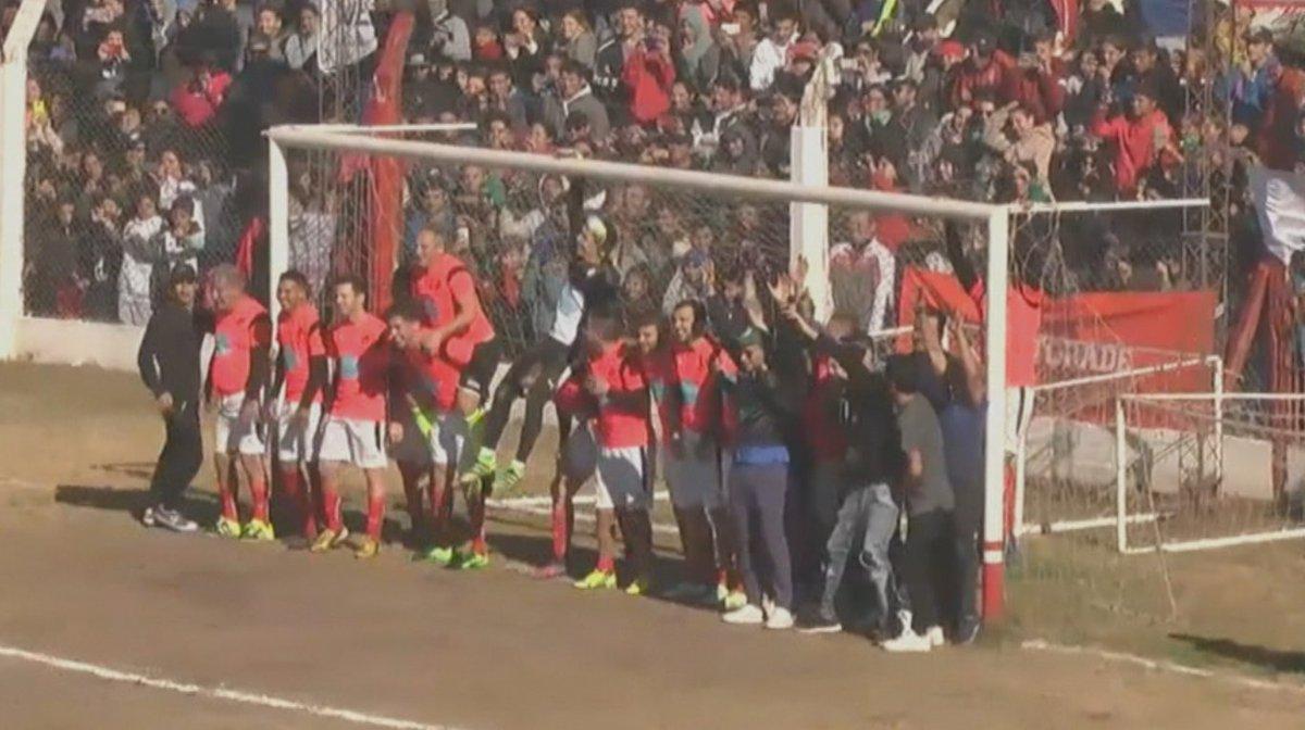 Dybala segna un gol pazzesco su punizione | Video Virale | Calcio d'Estate