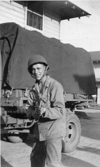 @jaketapper My dad, WWII PFC Huy Robert Harwood. Omaha Beach, Battle of the Bulge. https://t.co/yND9F4Hbl2