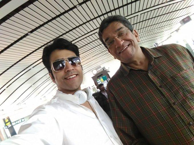 Bye bye #Hyderabad thank u for ur warm reception @hyd_bongs now its MBR at GMR #MeghnadBadhRahasya #Benuda @pssent https://t.co/pxwq59xmAW