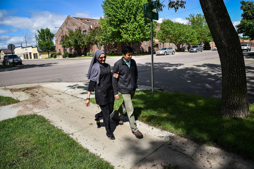 If u read one article today, make it be this one: How a Muslim doctor changed Minnesota minds https://t.co/rhhEVswDnn https://t.co/bRrhaKMIB5