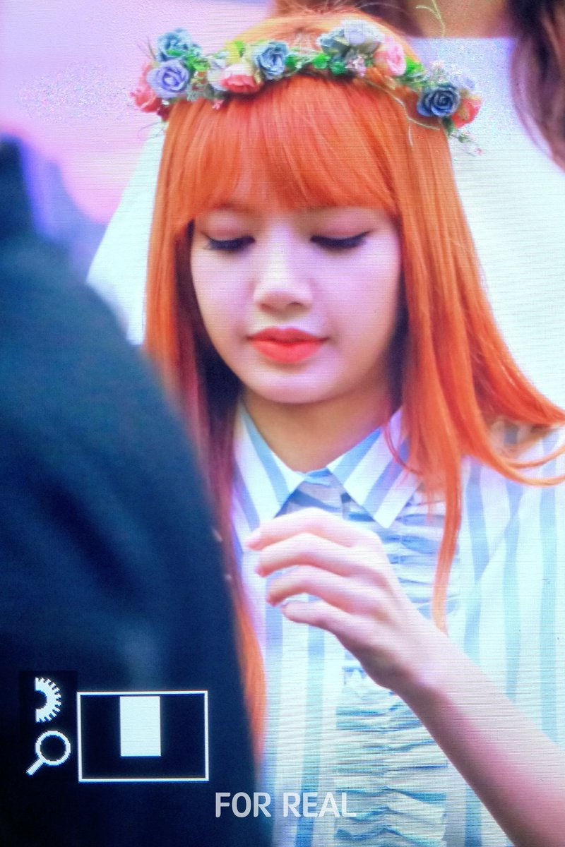 Lisa pics on twitter 170702 lisa with flower crown lisa pics on twitter 170702 lisa with flower crown lisaforreal httpstk5ryycr4bd izmirmasajfo
