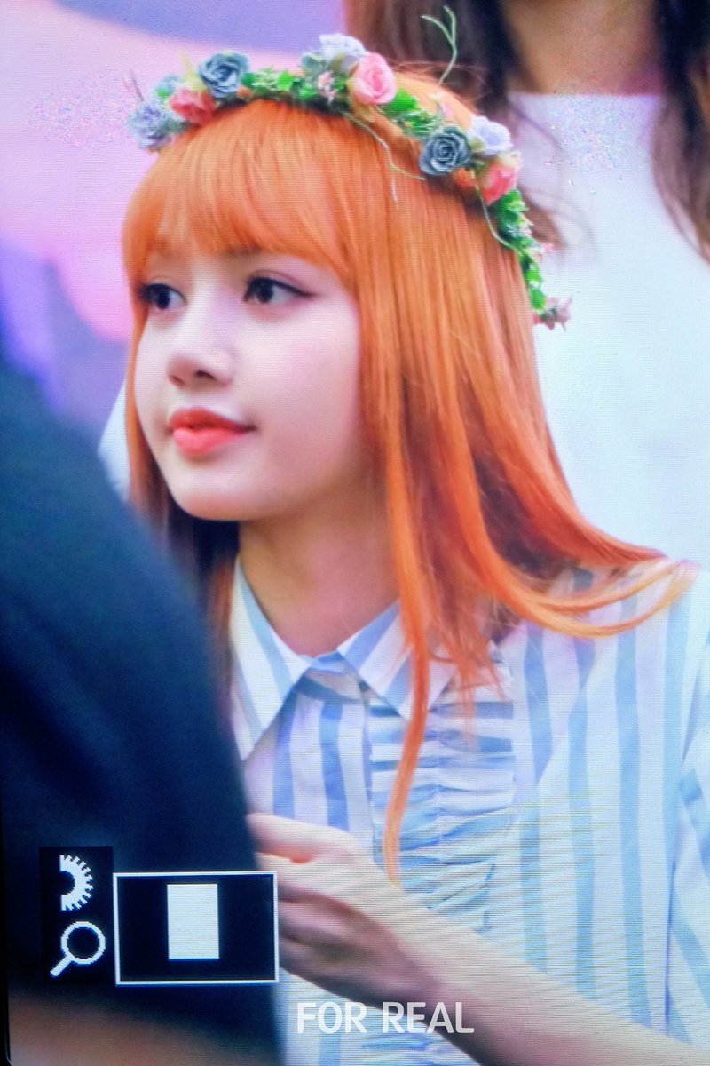 Lisa pics on twitter 170702 lisa with flower crown lisa pics on twitter 170702 lisa with flower crown lisaforreal httpstk5ryycr4bd izmirmasajfo