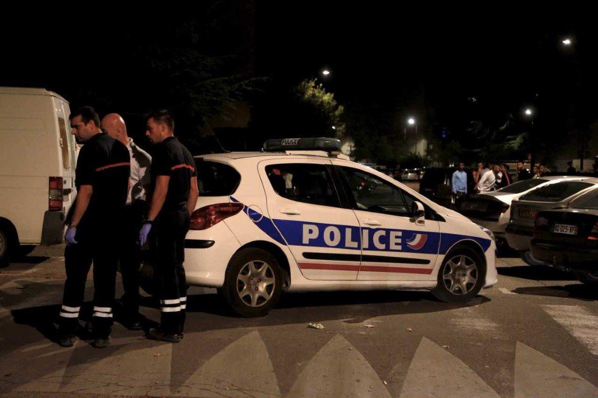 Risultati immagini per Alerte Info Avignon : huit personnes blessées dans une fusillade devant une mosquée