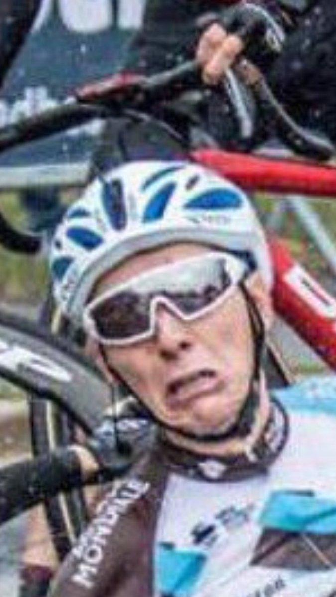 Tour de France 2017 - Page 2 DDwBnHWXcAEncUg